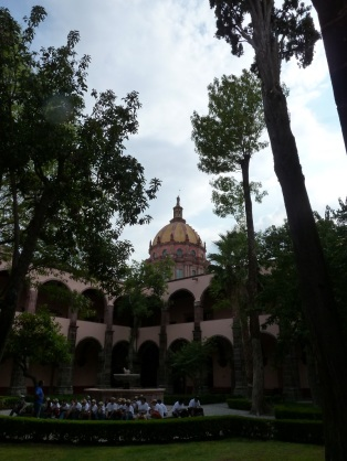A courtyard in San Miguel de Allende. Photo by author.
